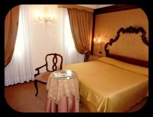 Hotel Monaco Grand Canal room