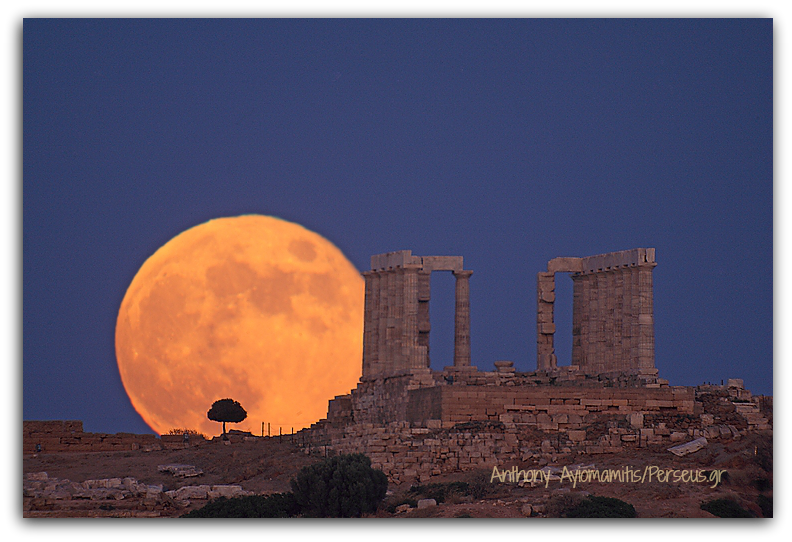 Lunar Sounion.Anthony Ayiomamitis